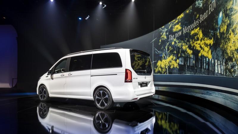 il nuovo Mercedes-Benz Vito Eqv