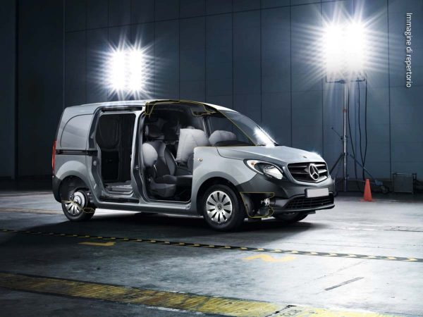 mercedes citan furgone dispositivi sicurezza airbag